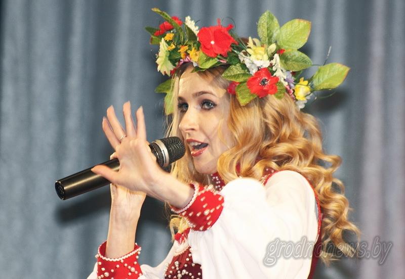 Кто споет в Молодечно? Три солистки представят Гродненщину на конкурсе молодых исполнителей