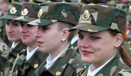 В белорусской армии служат более 4 тысяч женщин
