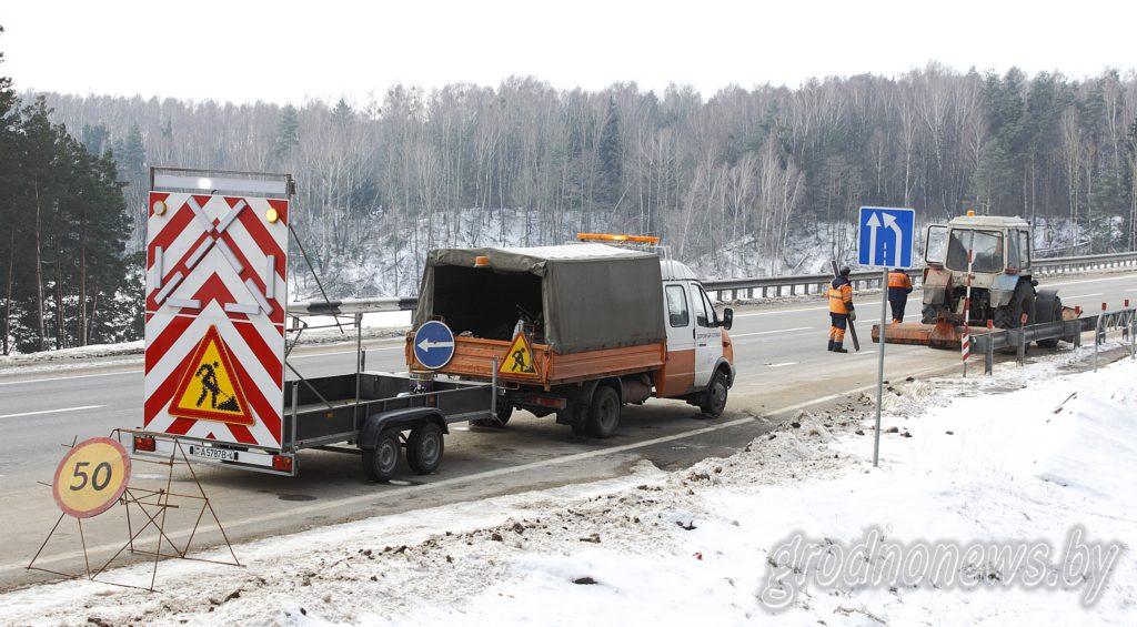 Панно-регулировщик. Шесть технических средств организации дорожного движения появятся на важнейших автомагистралях Гродненщины