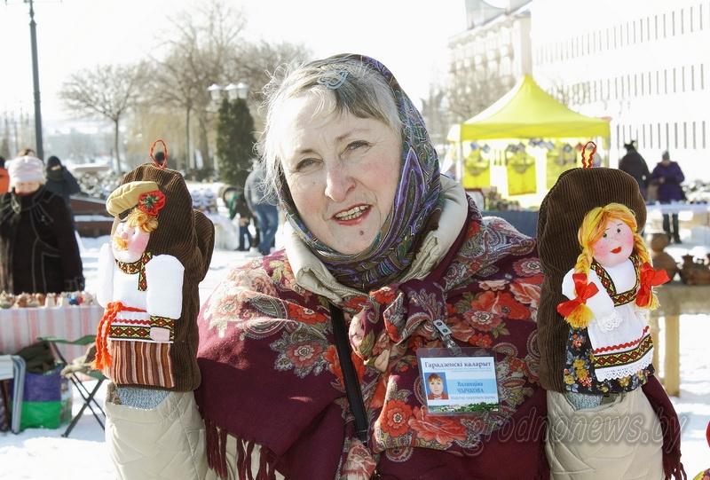 Отведать «Казюковки», обновить гардероб и прикоснуться к традициям. В Гродно проходит выставка-ярмарка «Казюкi» (Дополнено)