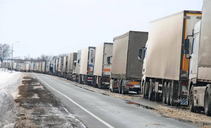 Выезда из Беларуси ожидают уже более 2 тысяч грузовиков
