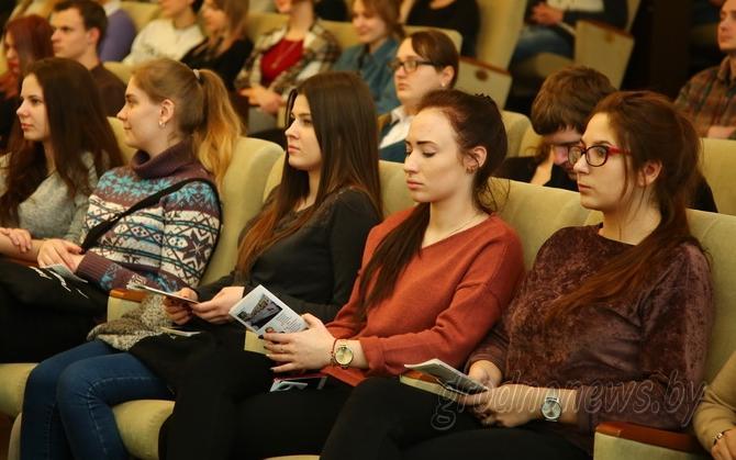 Базу данных желающей поработать летом молодежи создают в Гродненской области