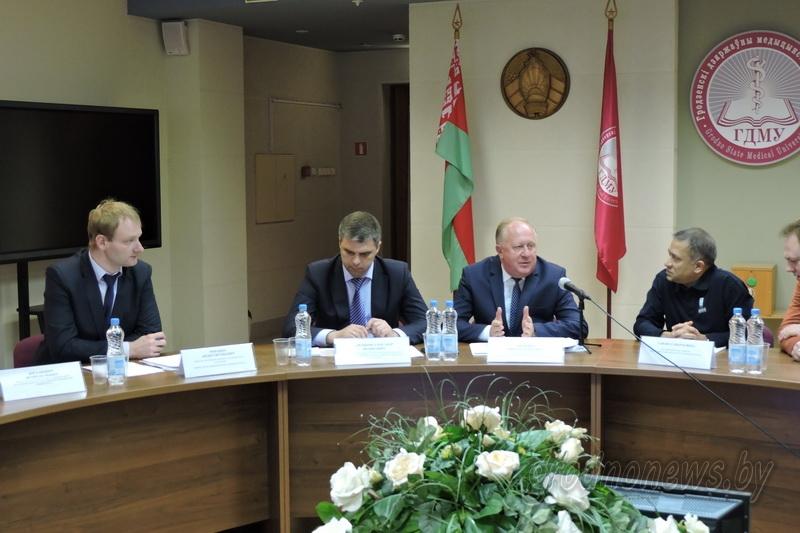 Реализацию информационной стратегии Беларуси по включению людей с инвалидностью в общество обсудили за круглым столом в Гродно