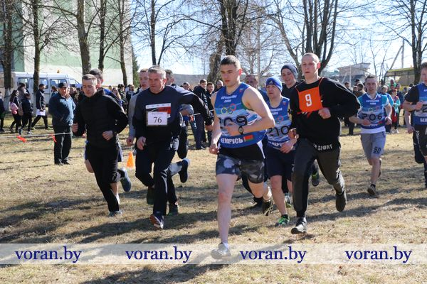 В Вороново прошел весенний легкоатлетический кросс, посвященный памяти Героя Советского Союза Александра Канарчика (Фото, дополнено)