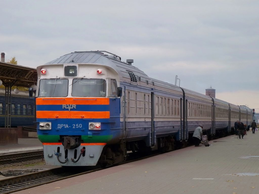 Более 100 дополнительных поездов назначила БЖД на апрельские и майские праздники