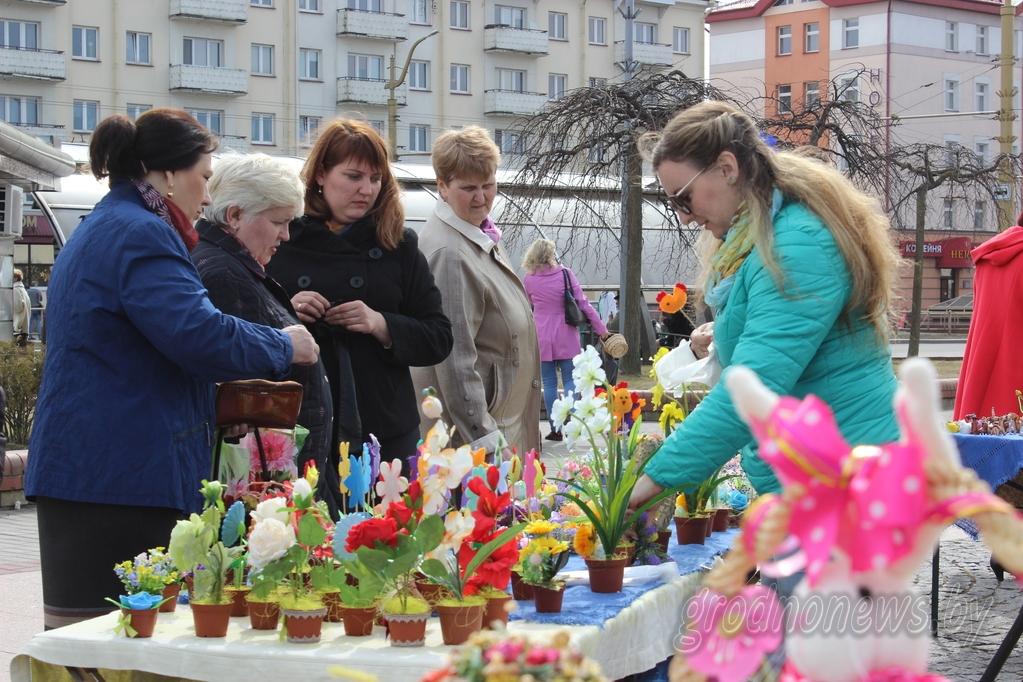 Предпасхальная ярмарка в Гродно собрала ремесленников со всей области