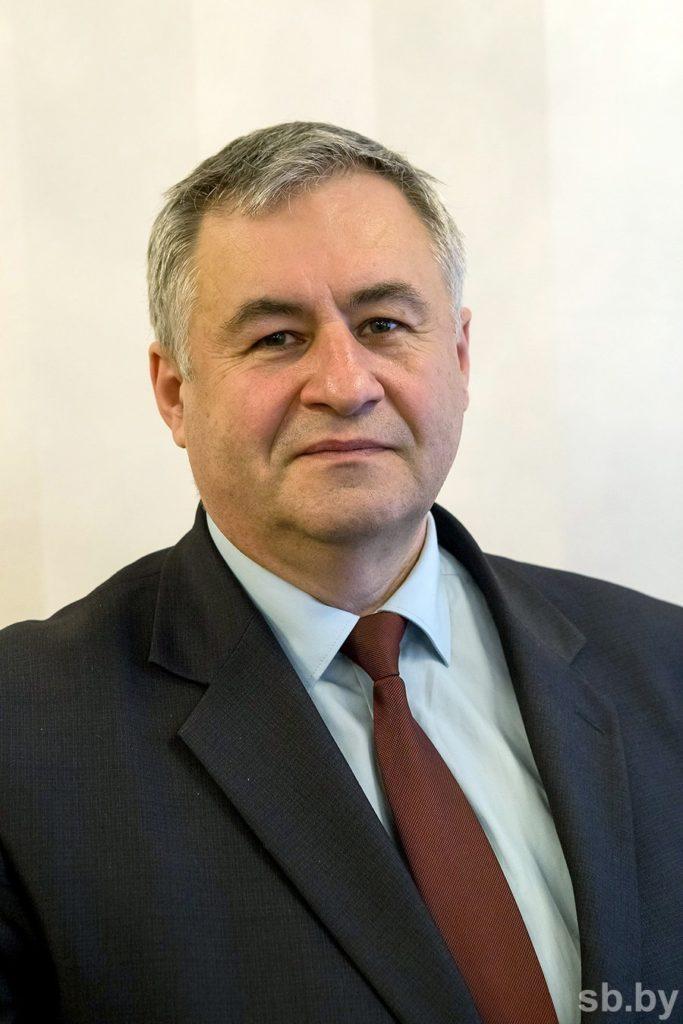 «Создать одинаковую, равноправную конкурентную среду как для сетевых, так и для всех прочих журналистов» — министр информации Беларуси Александр Карлюкевич о грядущем законе о СМИ