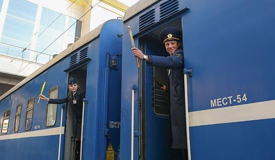 Более 80 дополнительных поездов будут курсировать по БЖД во время апрельских и майских праздников