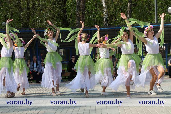 На летней эстраде в г.п. Вороново пройдут концерты выходного дня