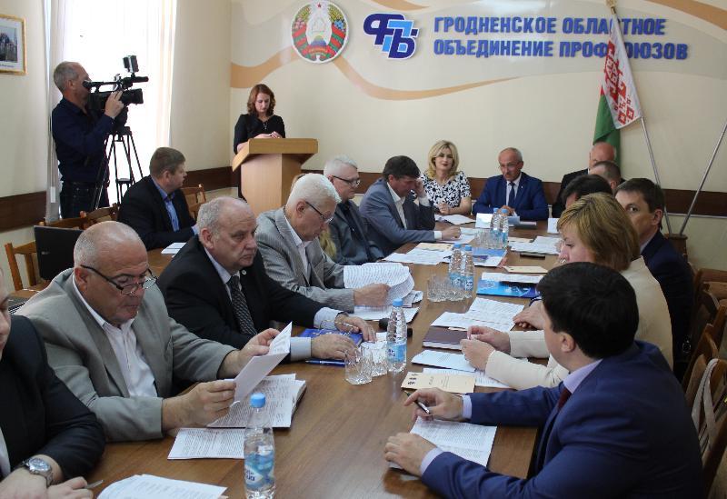 Под тройной защитой. Новое областное соглашение заключили Гродненский облисполком, профсоюзы и наниматели