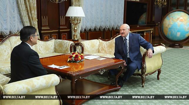 Александр Лукашенко обсудил с послом Китая подготовку к саммиту ШОС и развитие двусторонних отношений