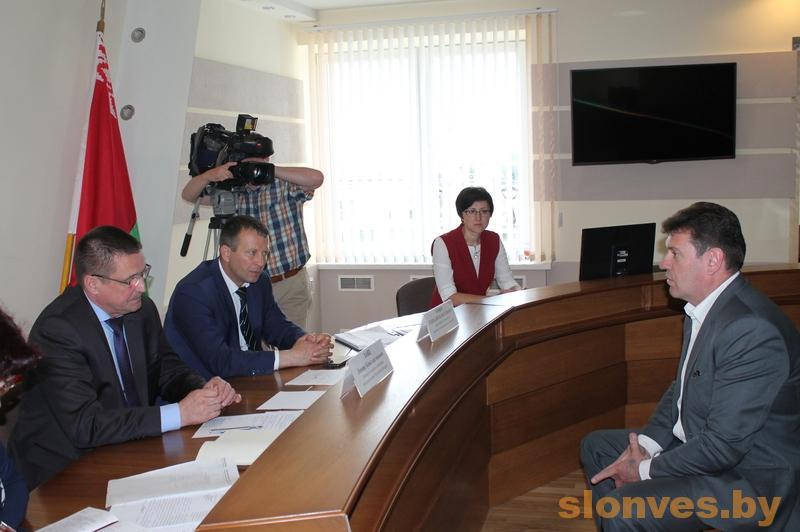 Министр сельского хозяйства и продовольствия Беларуси Леонид Заяц провел прием граждан в Слониме