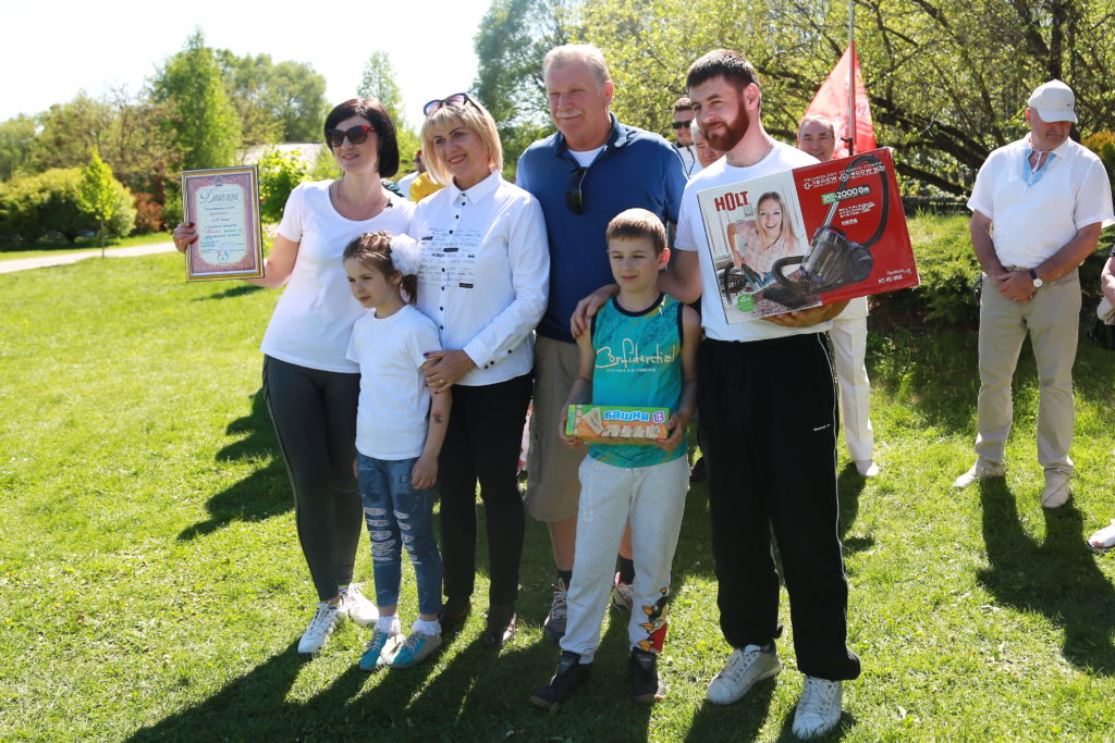В Коробчицах — семейный праздник: выбрали самых спортивных