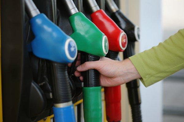 Цены на топливо надо повышать, в разумных пределах. Об этом сегодня заявил журналистам заместитель Премьер-министра Владимир Семашко