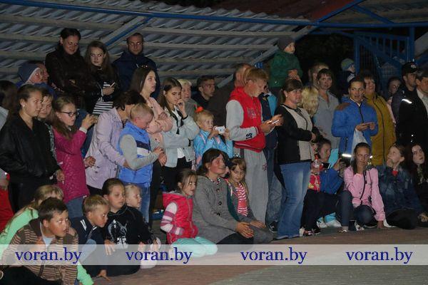 Яркий финал празднования Дня молодежи в Вороново. Файер-шоу от «Огненных воронов» из Лиды (Фото,Видео)
