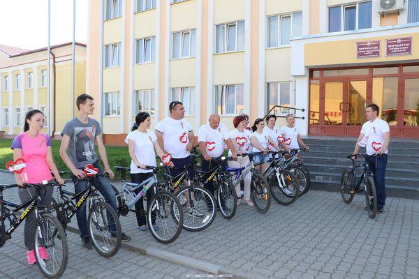 Велопробег, стартовавший в Вороново, продолжил праздничную эстафету мероприятий ко Дню Независимости (Фото, Видео)