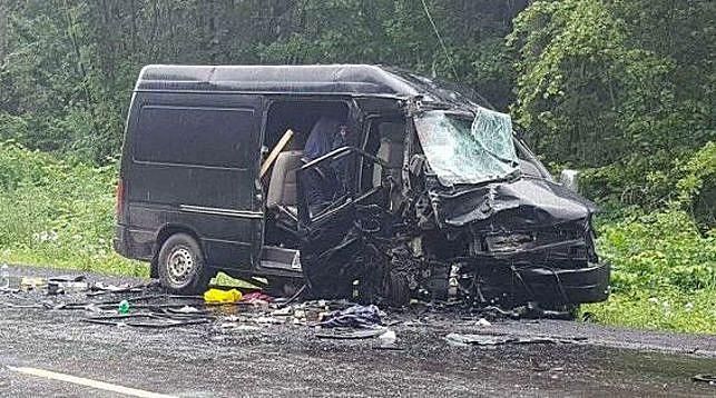 Граждане Беларуси попали в ДТП во Львовской области: 8 человек пострадали, женщина погибла