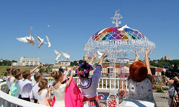 Город как на ладони. В Гродно в первый день фестиваля открыли смотровую площадку