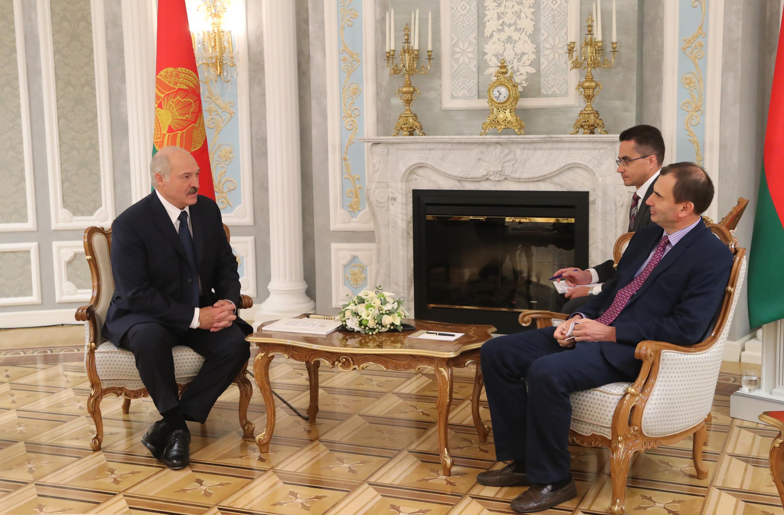 Александр Лукашенко: мы не против приватизации, но она не должна быть обвальной или шоковой