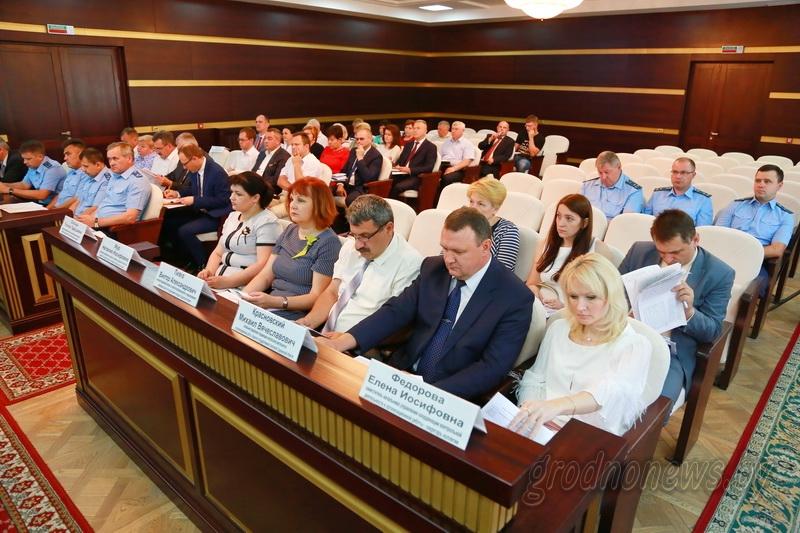 Из 51 неиспользуемого объекта недвижимости продано 8. КГК и прокуратура Гродненской области провели совместную коллегию