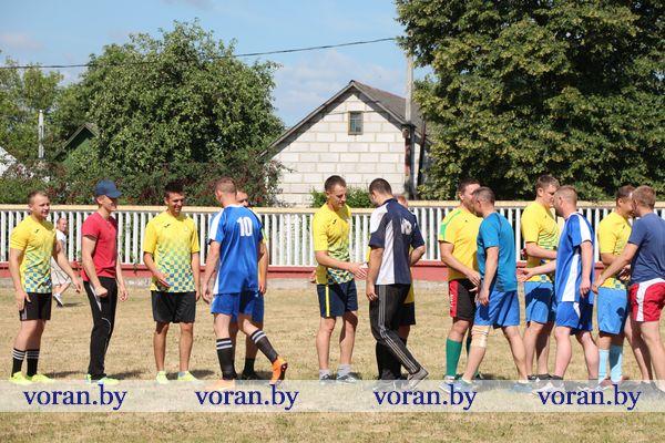 На Вороновщине стартовал районный чемпионат по футболу (Фото)