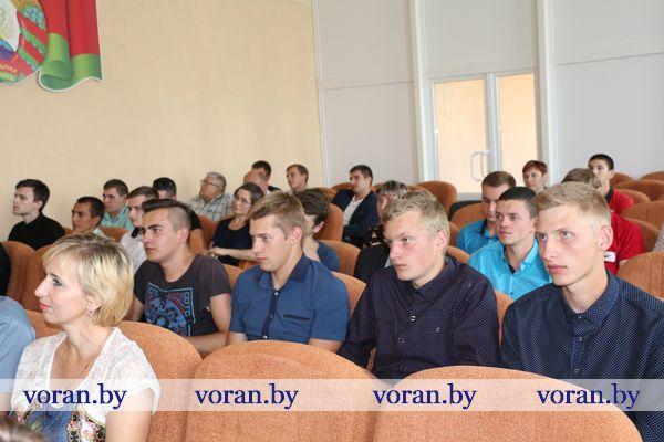 В Вороновском колледже вручили дипломы выпускникам