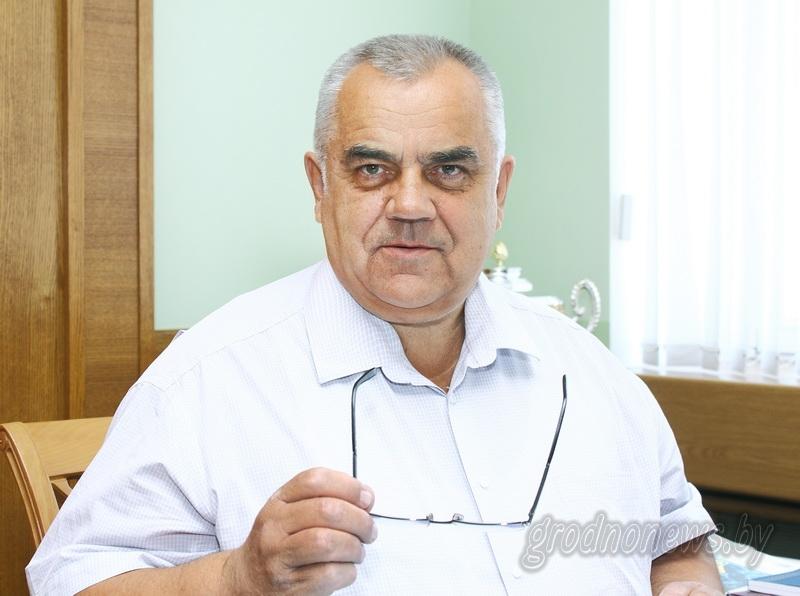 Субботнюю прямую линию с жителями Гродненщины провел заместитель председателя облисполкома Владимир Дешко