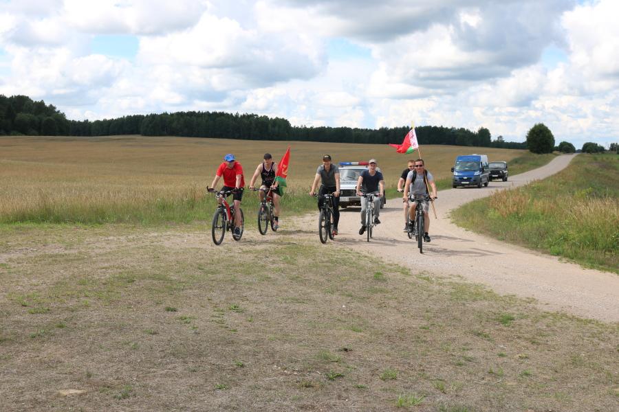 Лидские пограничники продолжили велодозор на Вороновщине