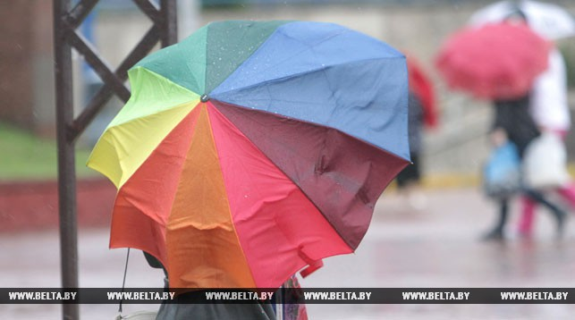 Оранжевый уровень опасности объявлен в Беларуси 16 июля из-за сильных ливней и града