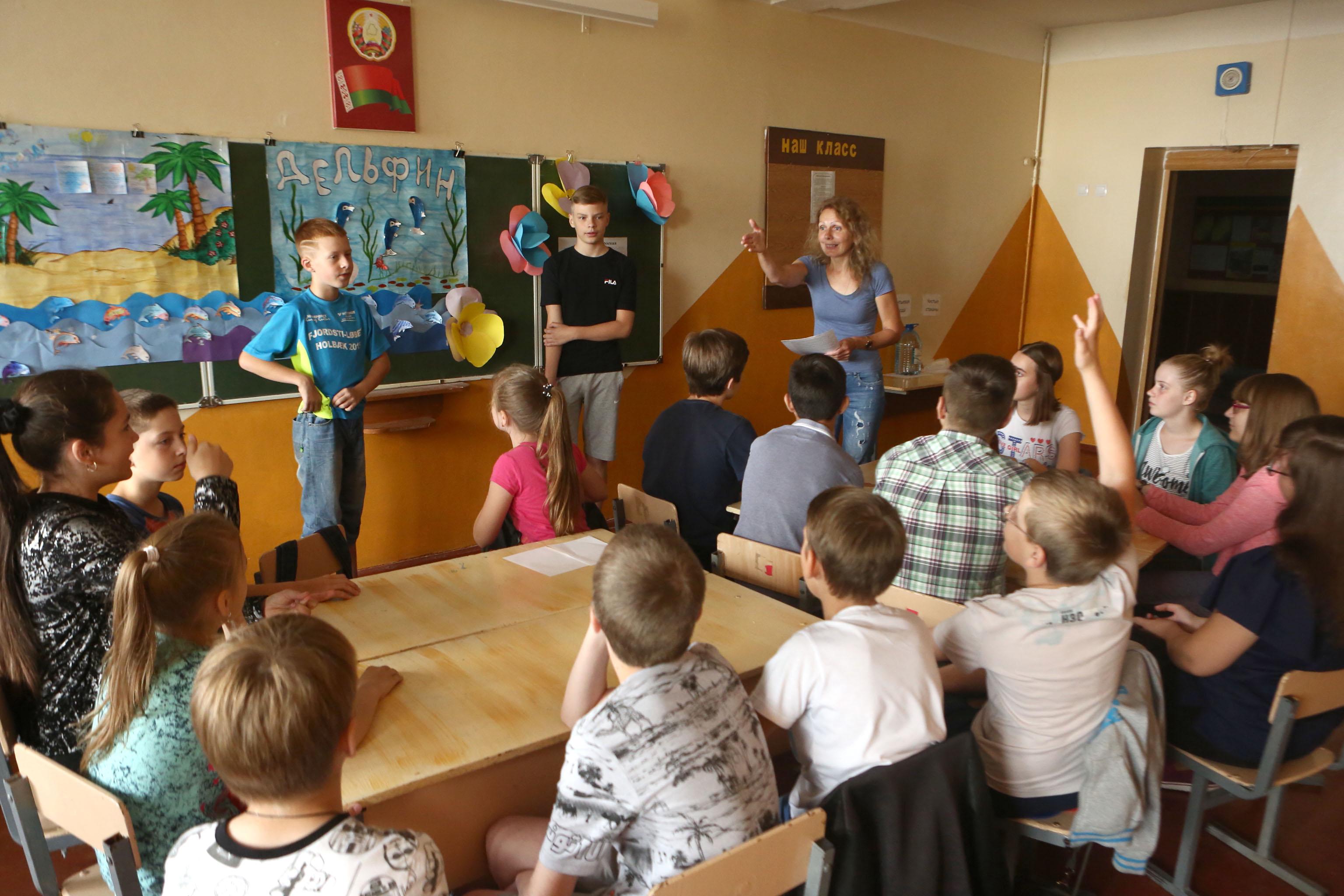 Лето яркое и звонкое: более пяти тысяч детей отдохнут во вторую смену в пришкольных лагерях Гродненщины