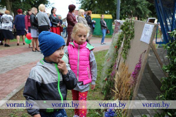 Торт из гортензий и сердце из лилий. Беларусь в творчестве вороновчан (фото,видео)