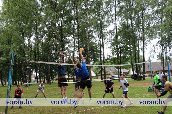 Спортивные страсти кипели в парке г.п. Вороново