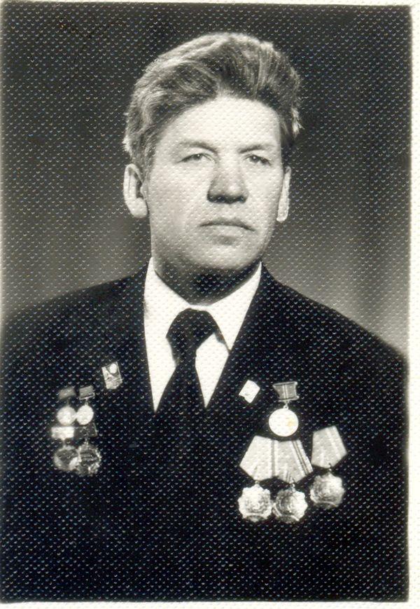 Наш земляк Иван Иванович Куровский — сегодня единственный на Гродненщине полный кавалер ордена Трудовой Славы. Его имя внесено в Книгу славы Гроднеской области
