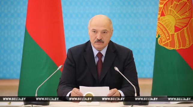 Лукашенко: недопустимо, чтобы работа на местах скатывалась к формализму и волоките