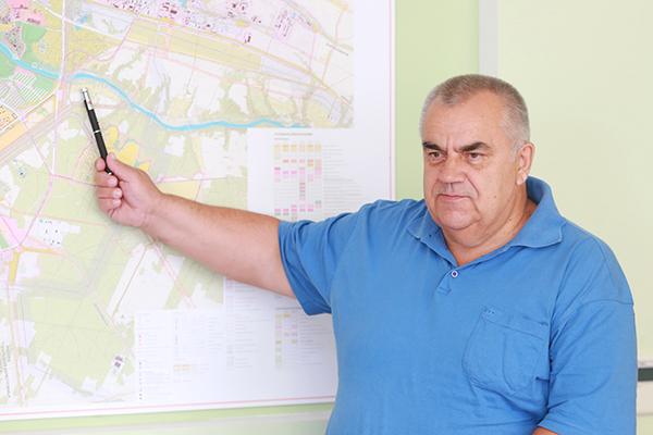 Субботнюю прямую линию с жителями Гродненской области провел заместитель председателя облисполкома Владимир Дешко
