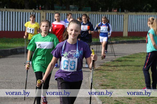 Впервые в Вороново прошли районные соревнования по скандинавской ходьбе (Фото, Видео)
