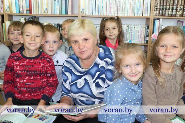 Коллектив Вороновской детской библиотеки — один из самых опытных в районе. Общий профессиональный стаж на троих — более восьмидесяти лет