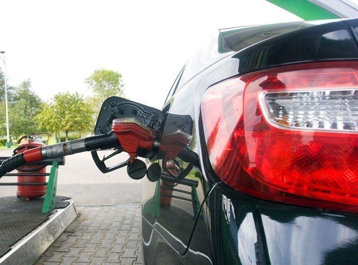 «Белнефтехим» объявил о подорожании топлива на одну копейку