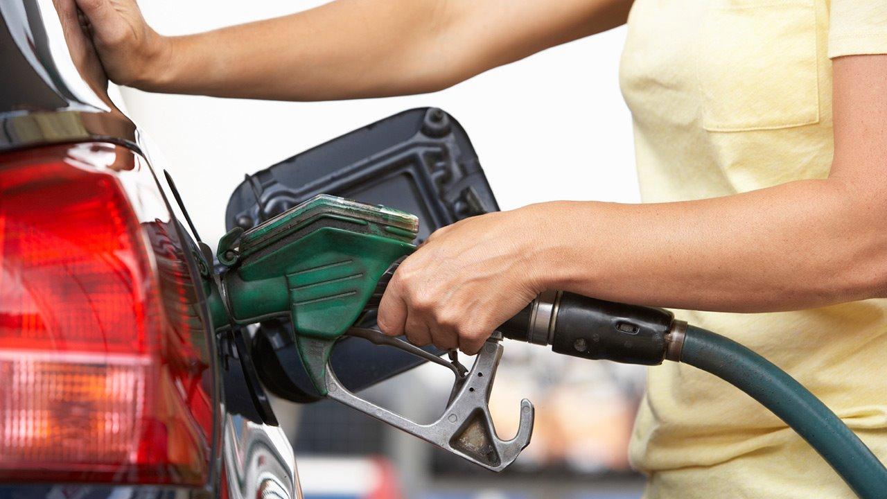 Почему на белорусских заправках сначала оплата, потом бензин. Ответ АЗС