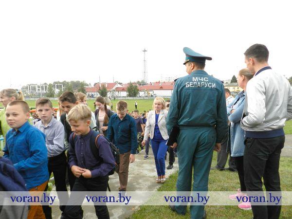 5 сентября в районе 11 часов во всех учреждениях образования, здравоохранения и социальной защиты Вороновского района прозвучали сирены (Фото)