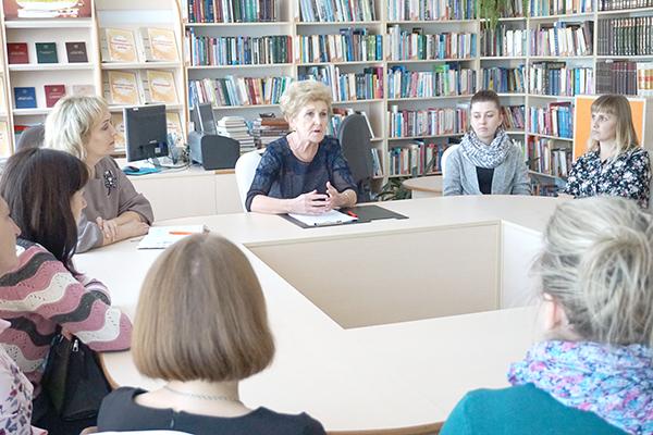 В рамках Недели матери на Вороновщине прошел семинар с участием районного врача-акушера-гинеколога