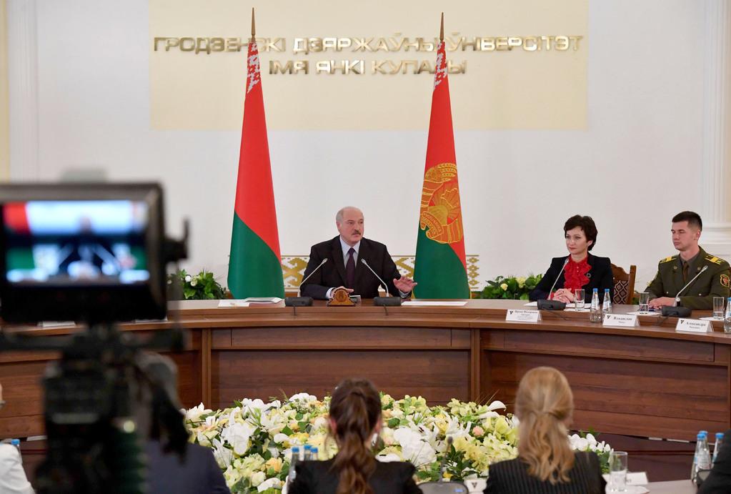 Александр Лукашенко пообщался с талантливой молодежью Гродно (видео)