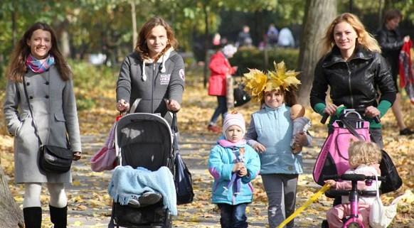 «Спасибо за настоящее и будущее Беларуси» — Александр Лукашенко поздравил женщин с Днем матери
