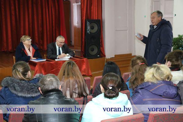 Председатель Вороновского райисполкома Николай Розум встретился с жителями Переганцевского сельсовета