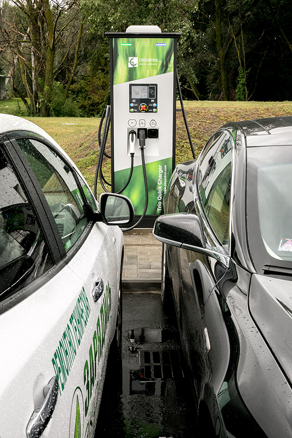 На М6 в 2019 году откроют ЭЗС для электромобилей