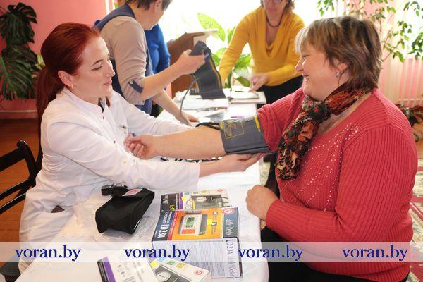 Совместный проект социальной службы, здравоохранения и Красного Креста «Гипертония под контролем» стартовал на днях в Вороновском районе