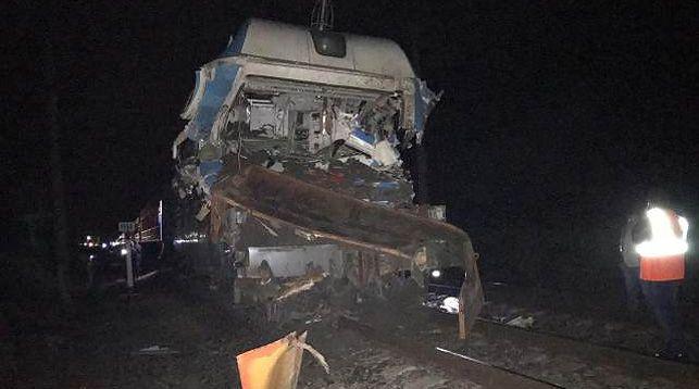Три белоруса пострадали при столкновении поезда Минск-Адлер с грузовиком в Краснодарском крае