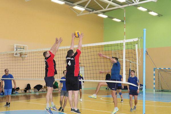 В Вороново разыграли кубок района по волейболу