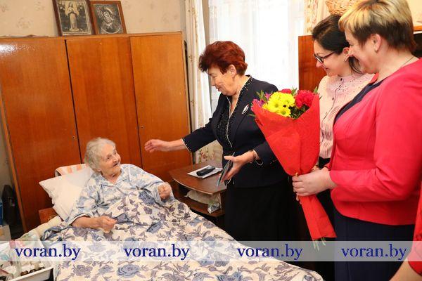 Предстоящий день рождения и стартовавшая областная акция «С Новым годом, ветеран» стали поводом для искренних поздравлений Татьяны Кузминичны Бобиной из Вороново