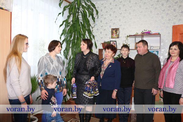Вороновская районная организация БСЖ присоединилась к благотворительной акции «Белорусский союз женщин — детям»